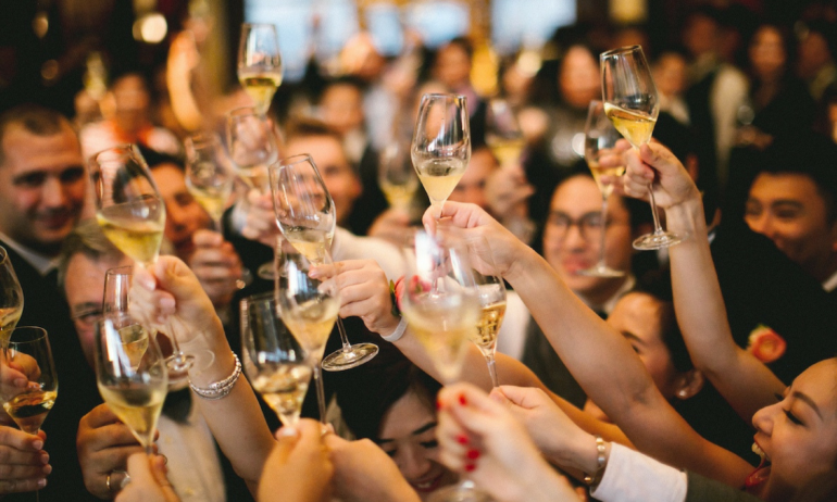 How to Organize and Promote Office Parties & Corporation Events